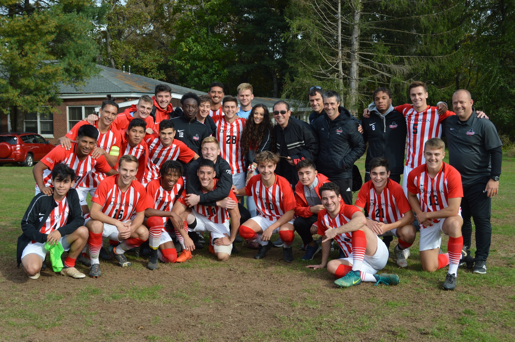 MEN'S SOCCER  HONOR MARTINEZ IN FINAL MATCH OF COLLEGIATE CAREER