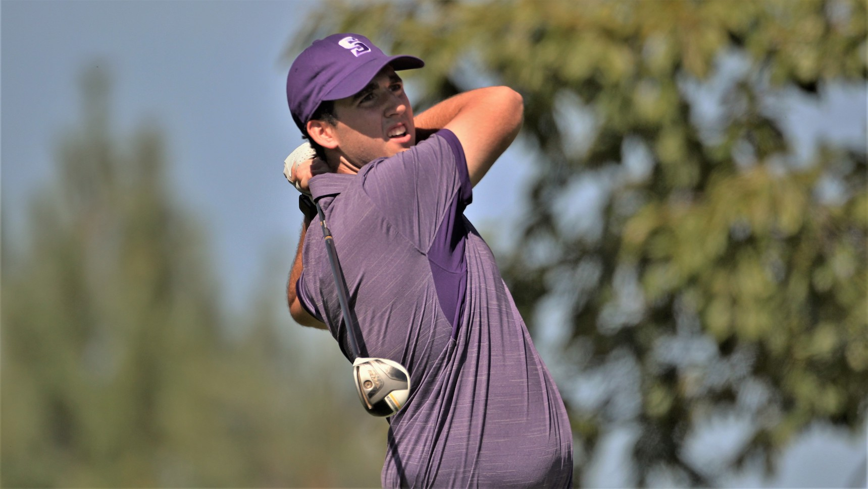 Junior Colin Sommers posted an 80 on Monday at Valley Country Club to finish in a tie for third on the leaderboard at the Valley C.C. Invitational. © Photo by Timothy R. Dougherty / doubleeaglephotography.com