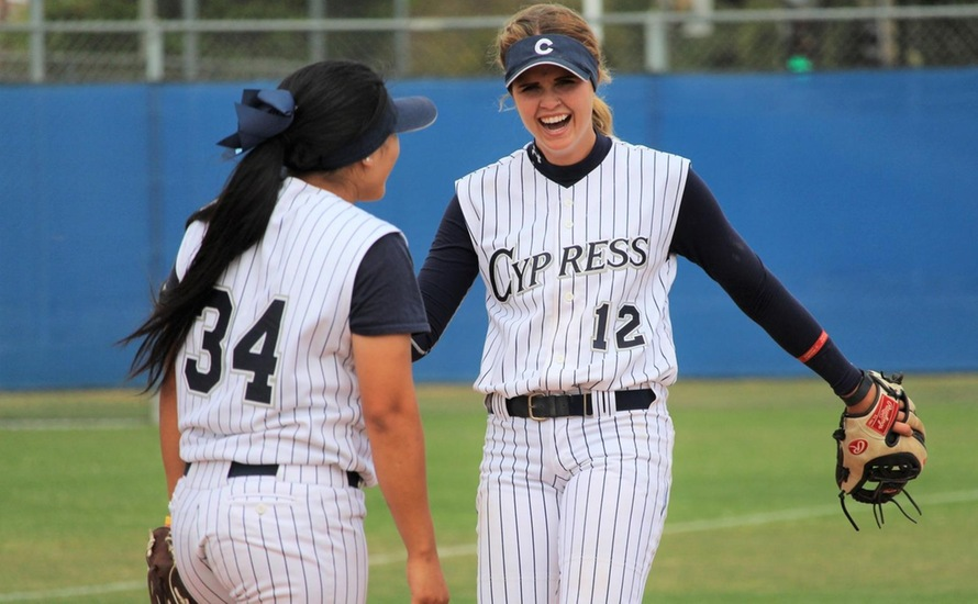 No. 1 Softball Clinches Third Consecutive Conference Title