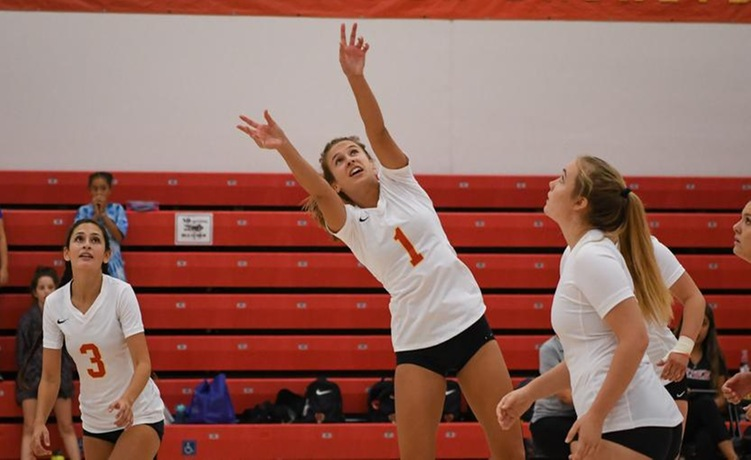 COD Women's Volleyball sweeps the Comets for the first time in program history, 3-0