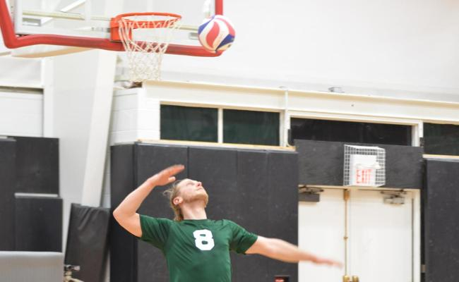 Men's Volleyball Falls at Wells