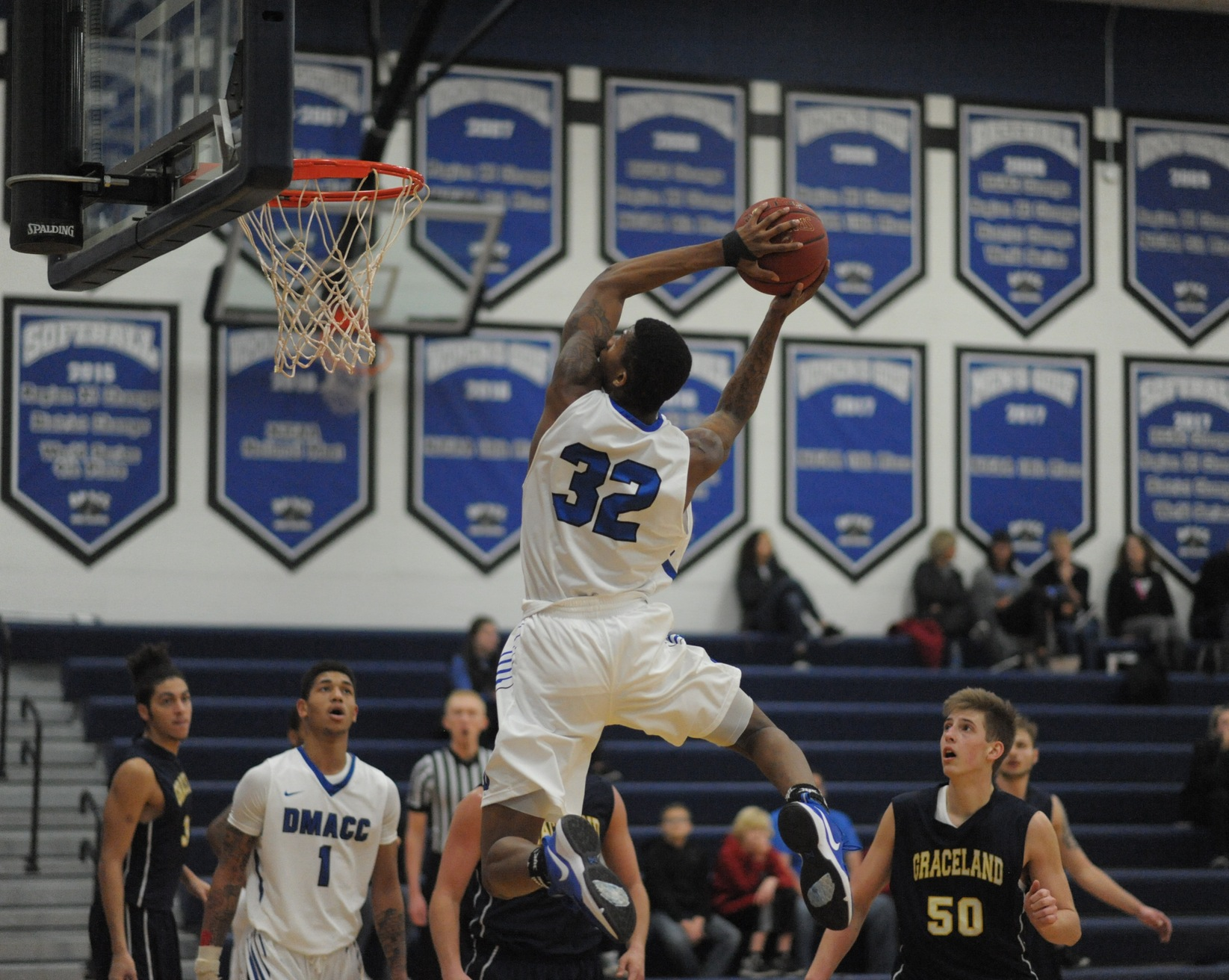 DMACC men's basketball team begins 2018-19 season with two wins