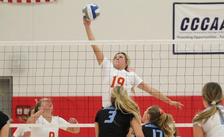 COD Women's Volleyball takes the Spartans to the limit, falls 3-2