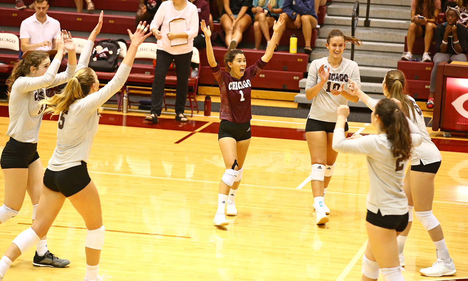 ON TOP: #3 UChicago Volleyball Beats #1 Emory to Claim UAA Regular-Season Title