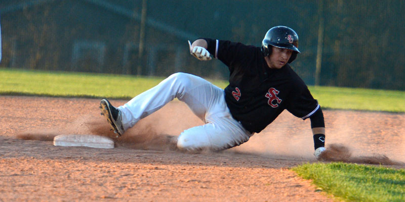 Big inning helps Storm earn split at Coe