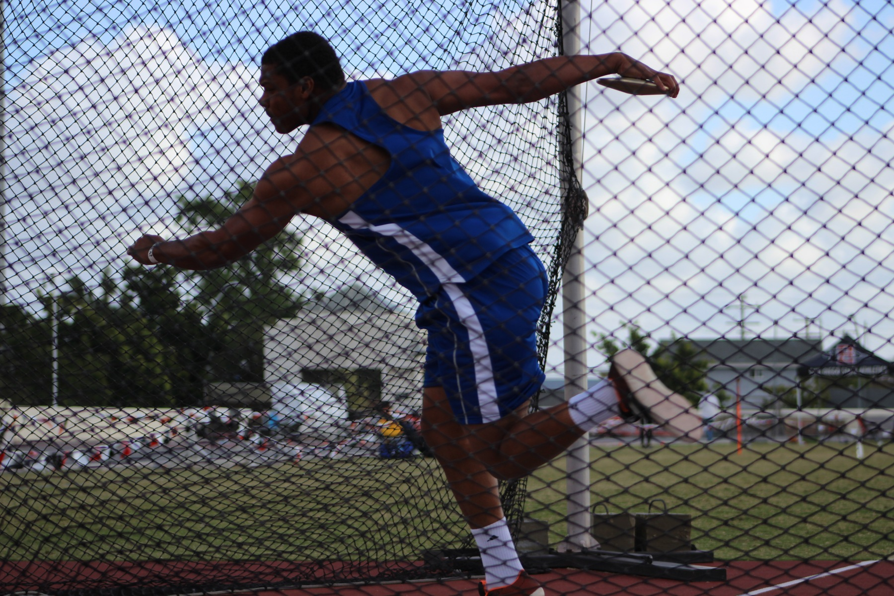 Kordell Hampton Breaks Discus School Record Again at Beach Invite