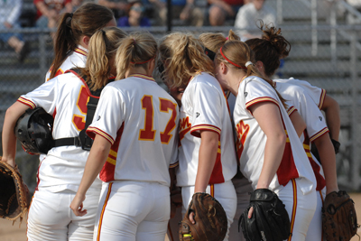 Simpson softball beats Kean, falls to Muskingum