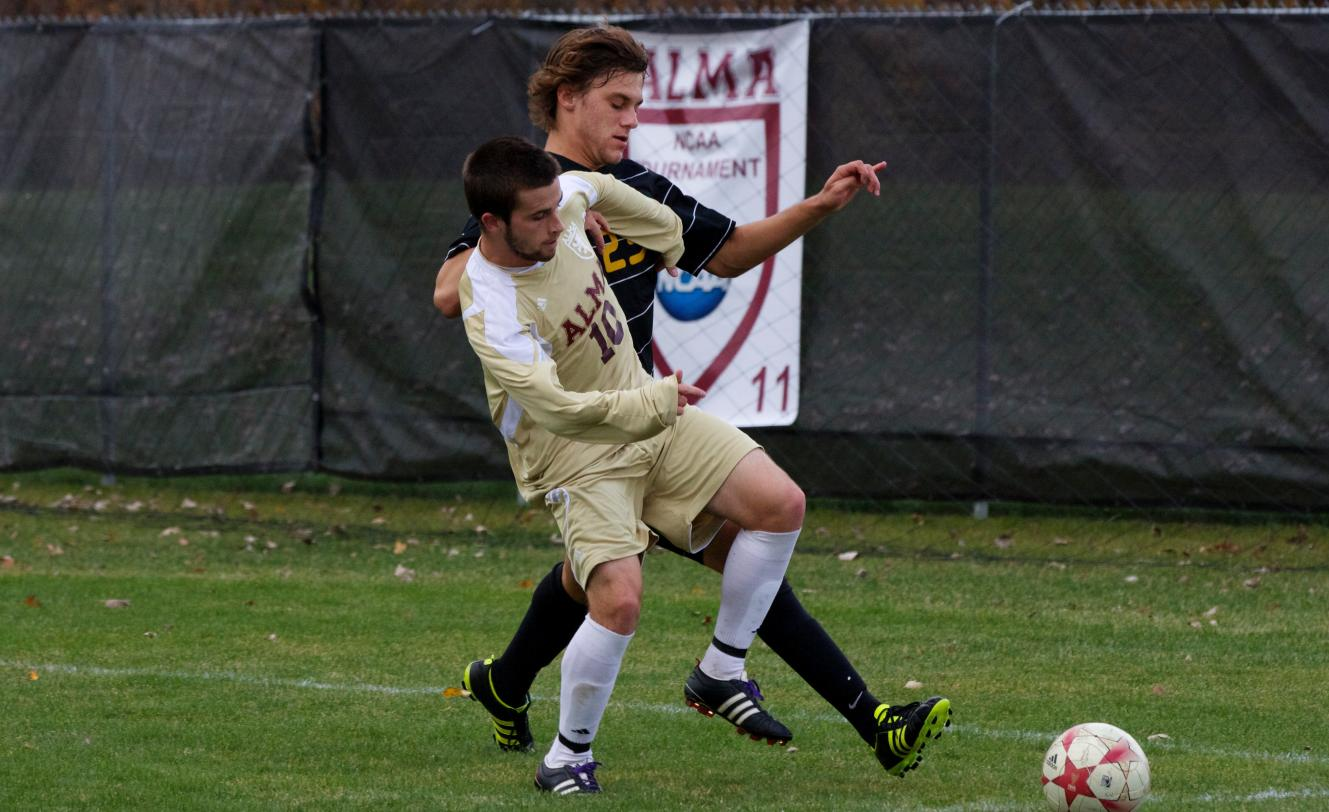 Men's Soccer loses late lead, then drops a 3-2 decision in two overtimes at Trine