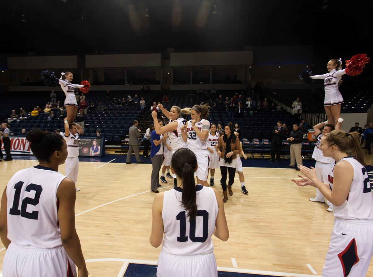 Stunner! Women's Basketball Topples Indiana, 58-54