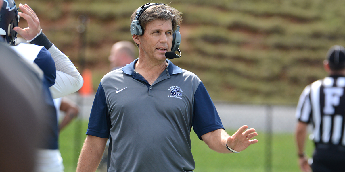 Chip Knapp elevated to Wesley College head football coach