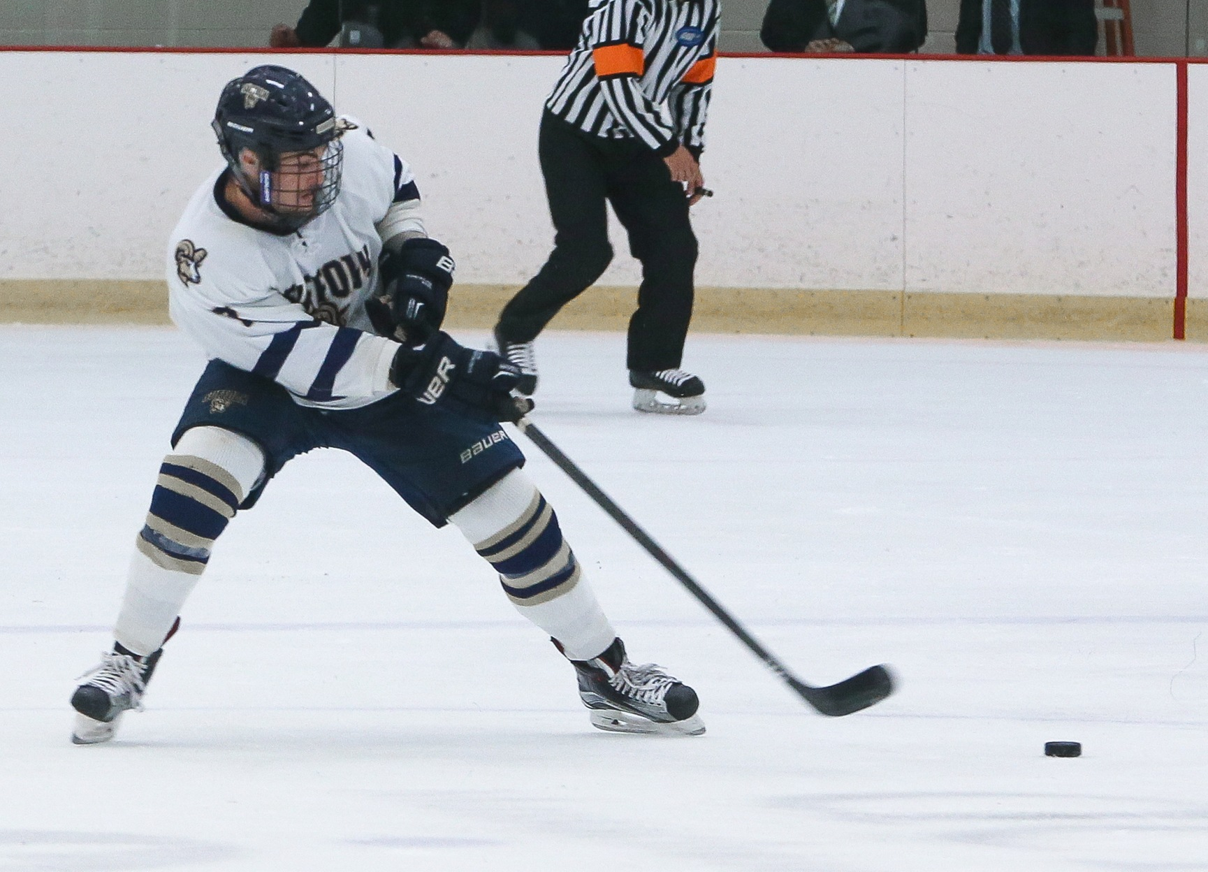 Men's Hockey Set for Back-to-Back Road Battles