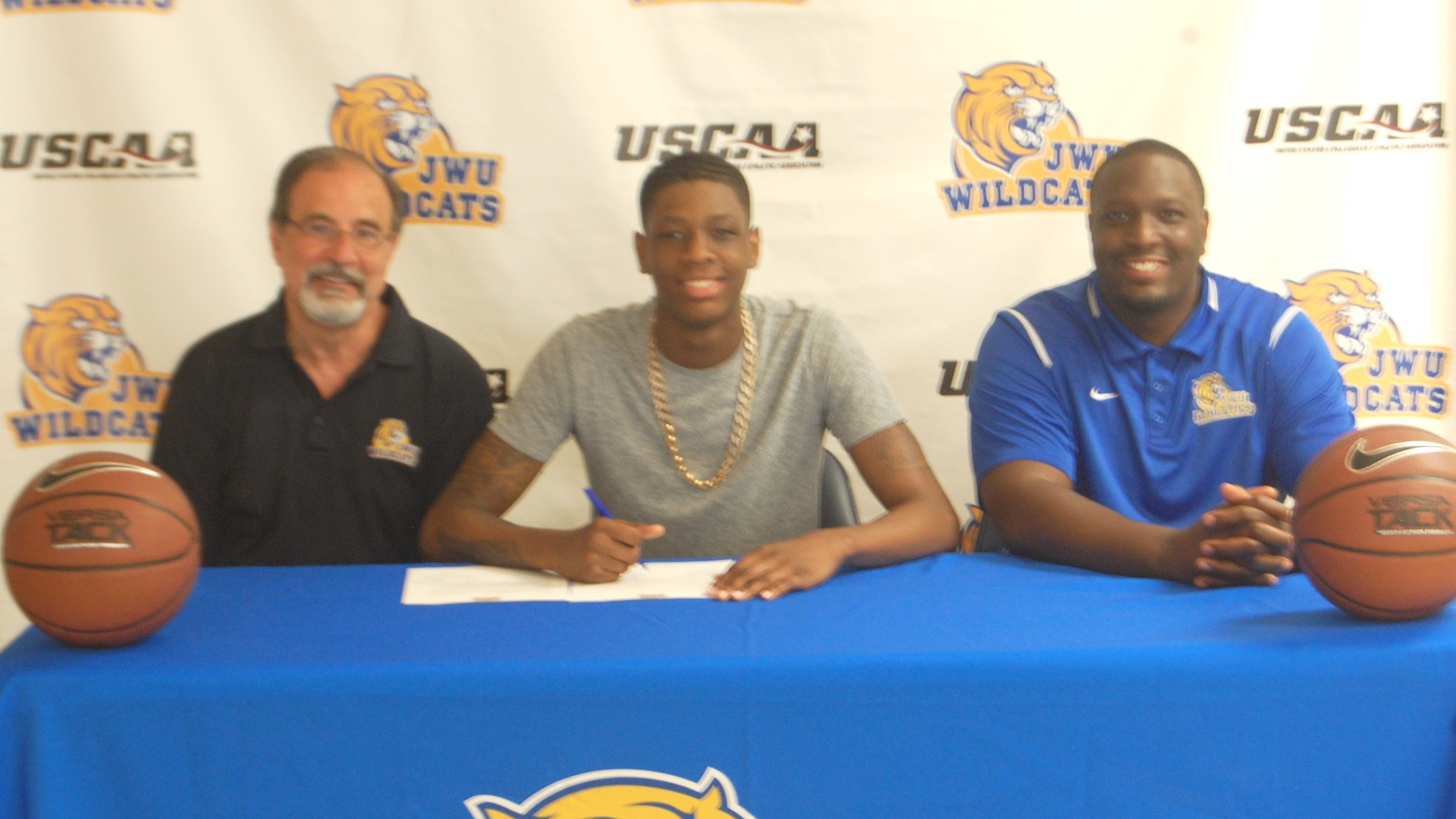 Malik Frazier Signs with JWU Men's Basketball