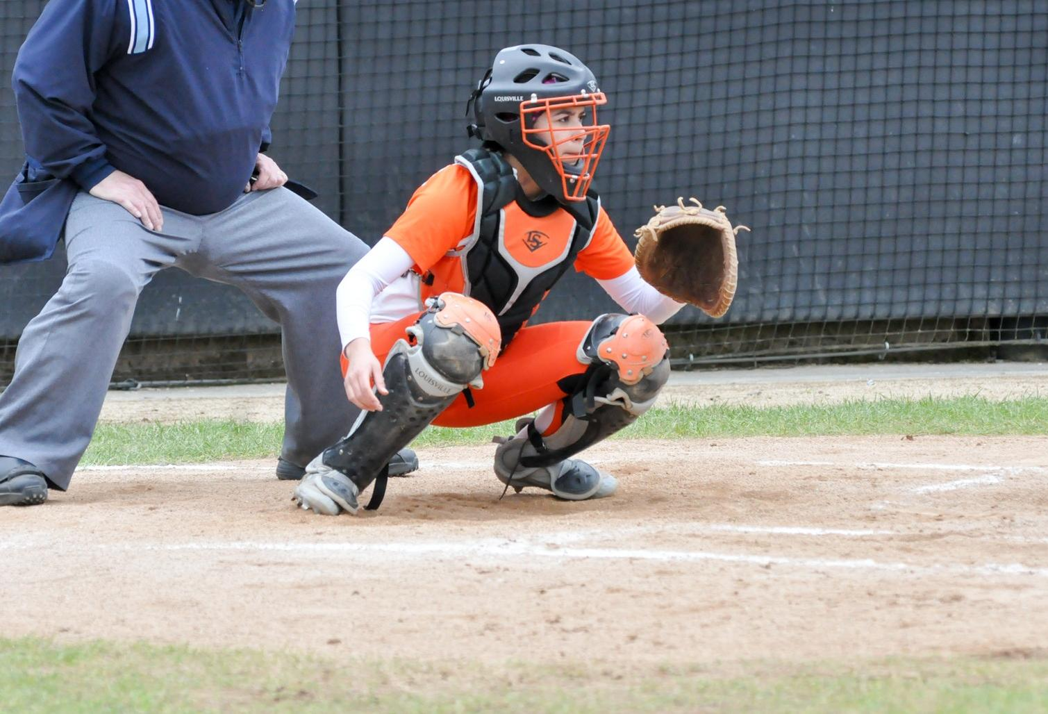 Pioneers split second double header against Pacific Lutheran