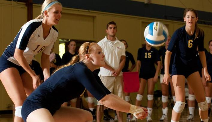 Volleyball Splits on Final Day of St. Norbert Tournament