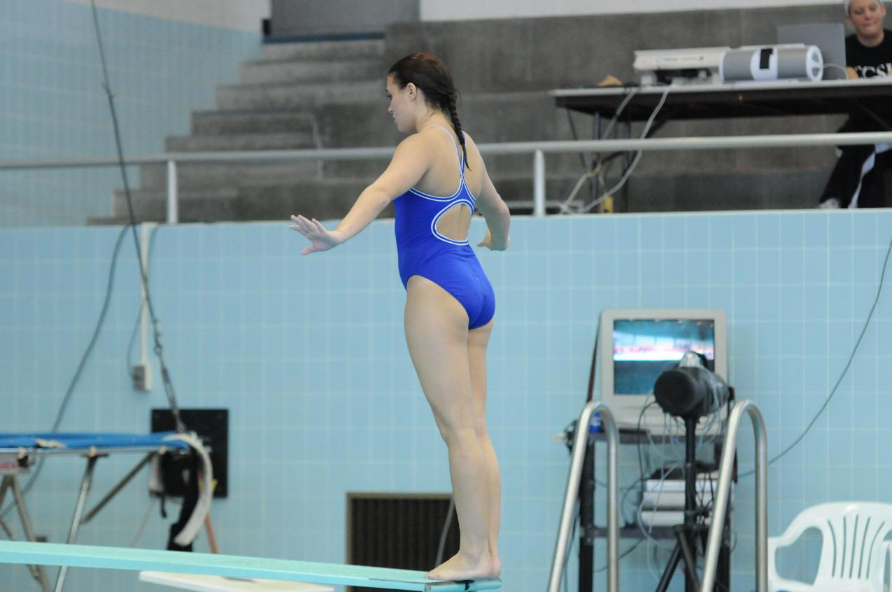 CCSU Swimming Falls to Miami 166-73