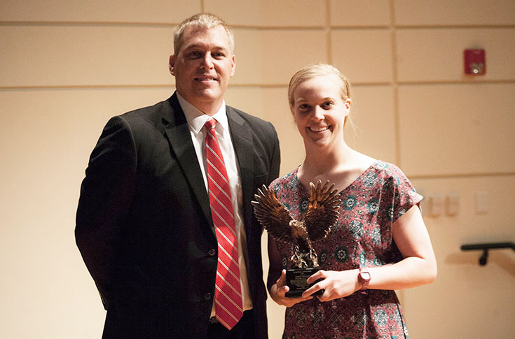 Softball: Gravett receives Eagle Award, given to the year's outstanding  female athlete