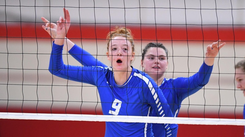 Volleyball Falls in Four at Sacred Heart