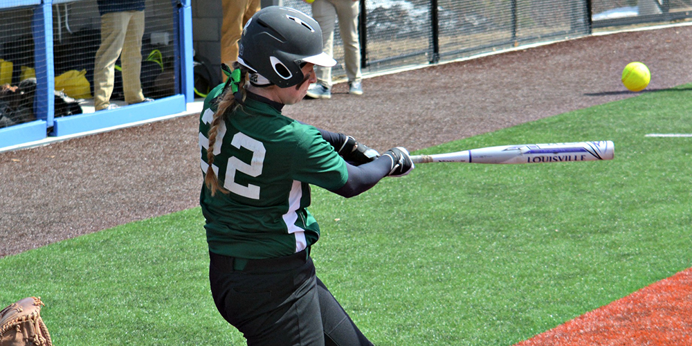 Softball Splits Conference Doubleheader with Thomas, 4-3, 2-6