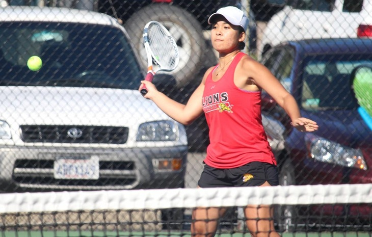 Women's Tennis Coasts Past Curry for Sixth-Straight Win