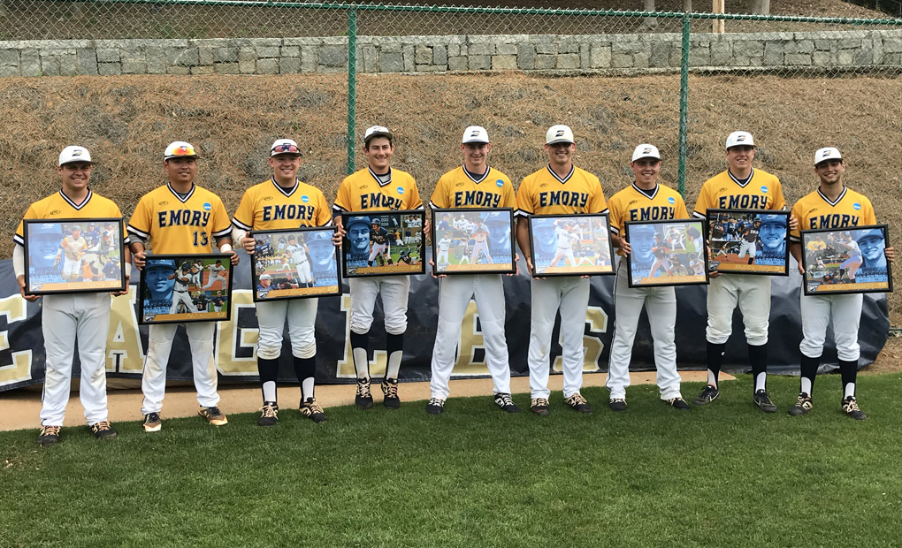 Baseball Sweeps CWRU on Senior Day; Moves into Sole Possession of First in UAA