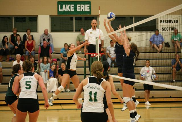 Lake Erie Battles, But Falls in 4 Sets to Hilltoppers