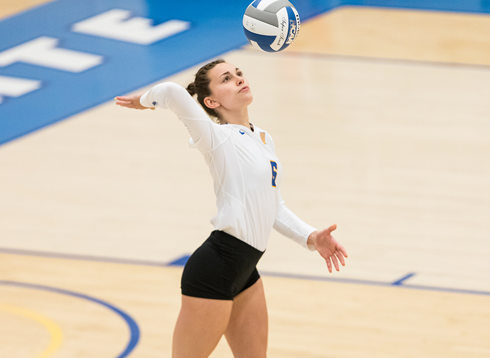 Women's Volleyball Swept by Plymouth State in Doubleheader