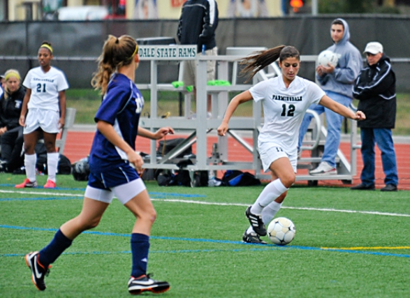 Late Score Leads Salve Regina Past Rams