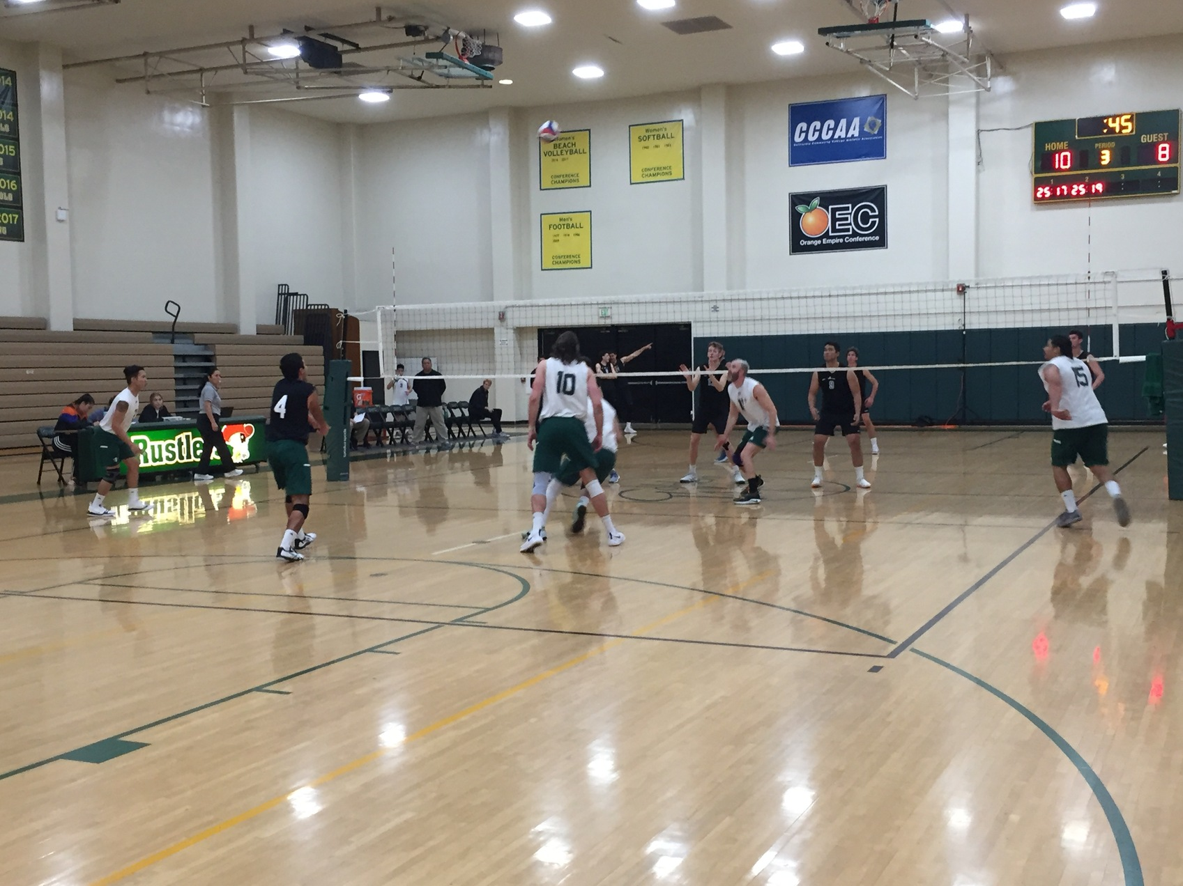 M Volleyball: Coleman and Flores Help Rustlers Prevail in OEC Opener
