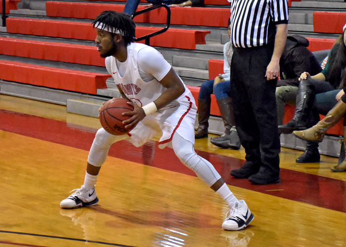 Huntingdon holds off Berea in first conference win of the season