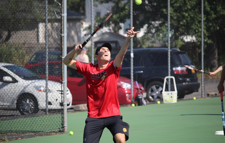 Men's Tennis Bests Bridgewater State 9-0 in Regular-Season Finale