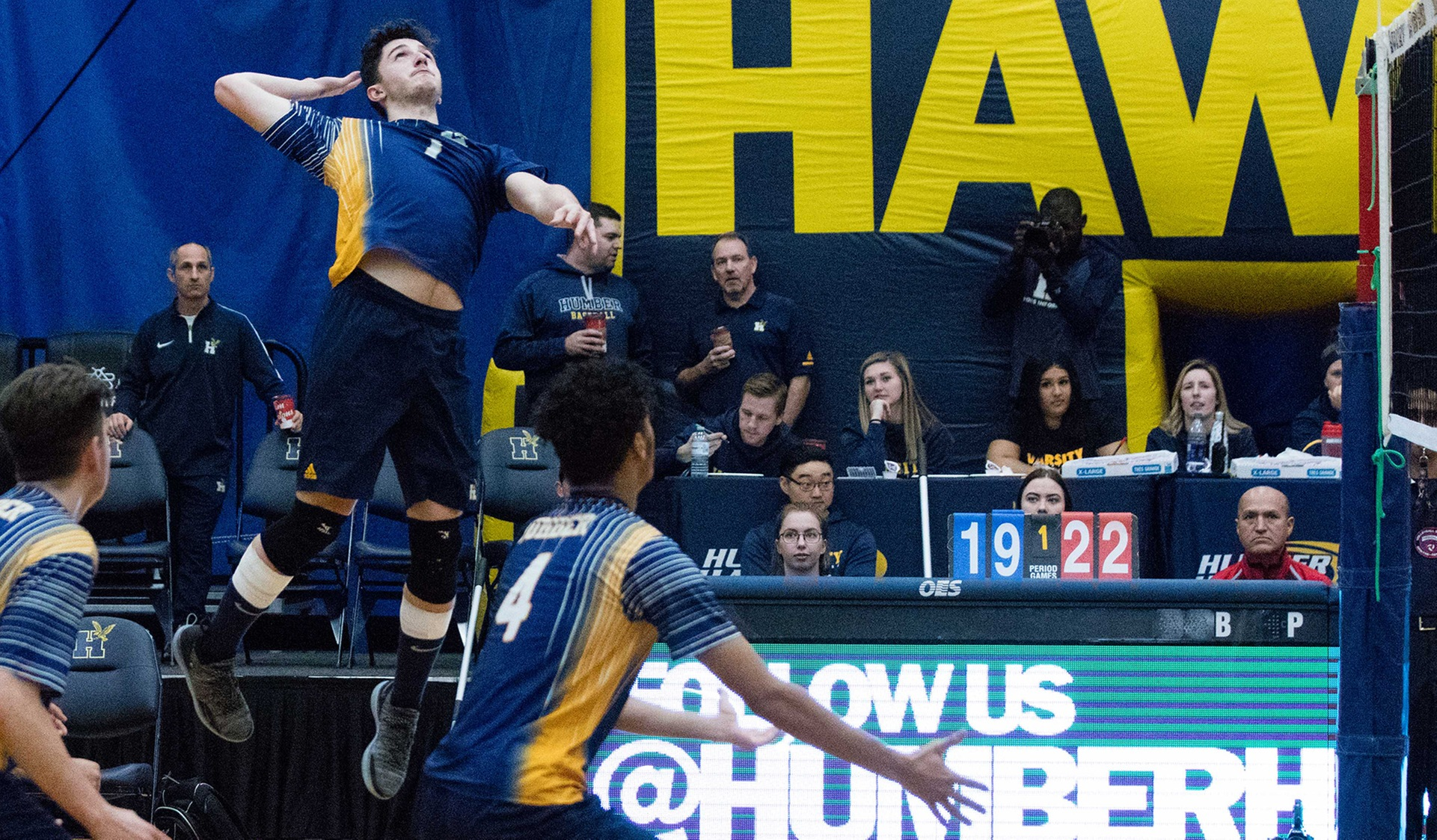 HAWKS MEN'S VOLLEYBALL WIN 2 OF 3 AT YORK UNIVERSITY TOURNAMENT