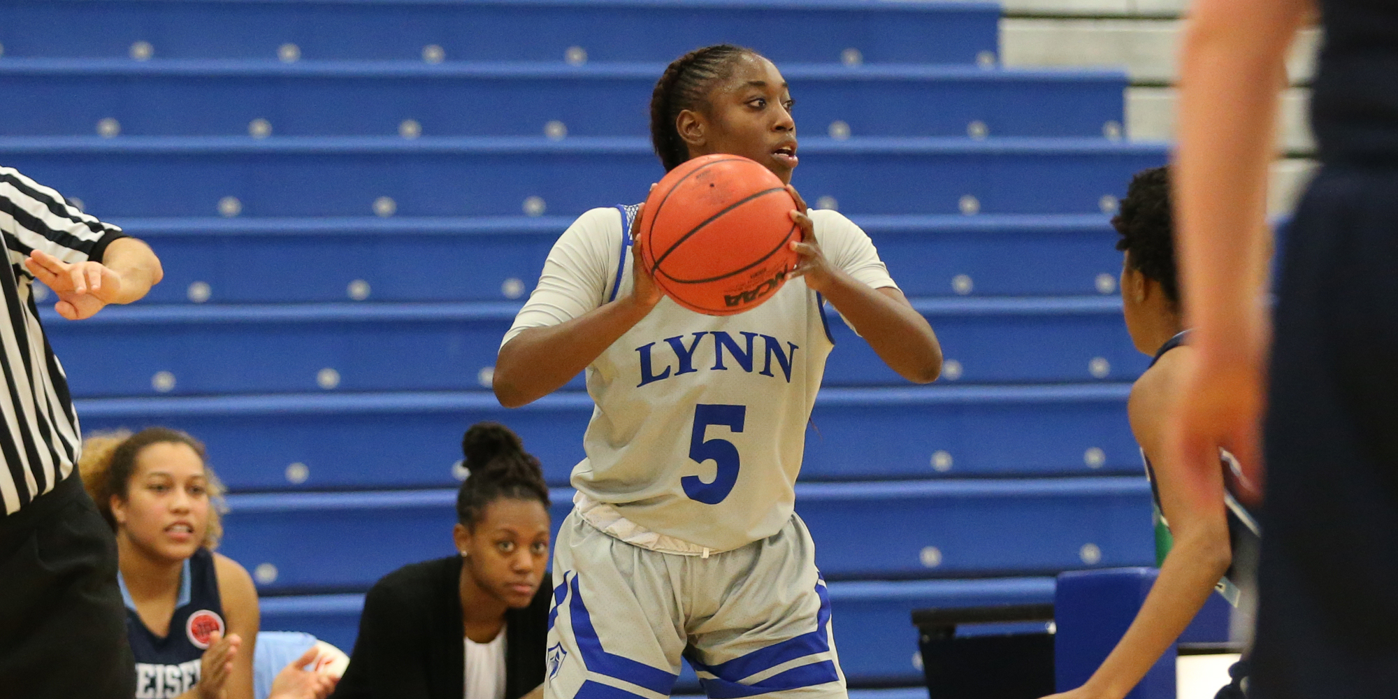 Women's Basketball Drops Road Contest at Tampa