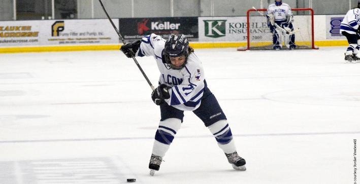 Women's Hockey, St. Scholastica play to 3-3 tie in weekend series finale