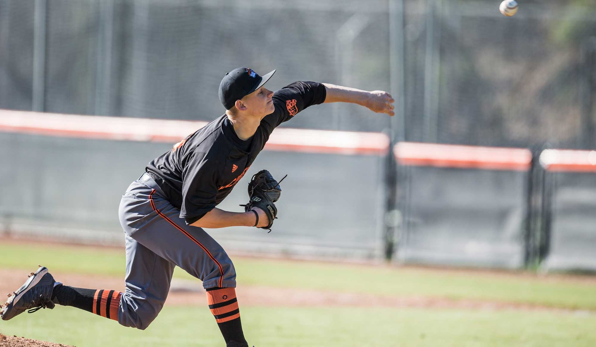 Drew Edges Oxy With Comeback
