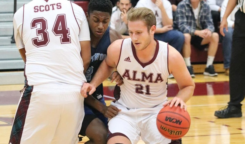 Hot shooting lifts Scots to victory at Wheaton