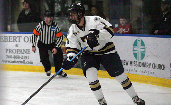 Men's Hockey Dispatches Visiting Hamline
