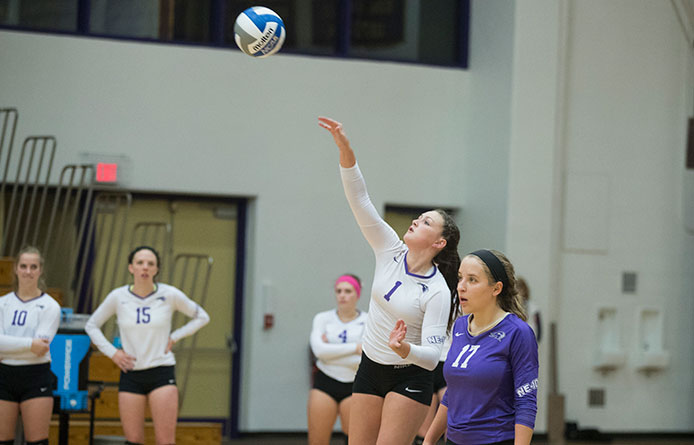 Women's Volleyball Falls to Middlebury in Home Opener in Non-Conference Action