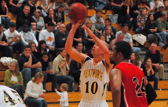 Leopards Hold on to Defeat Crusaders, 62-61