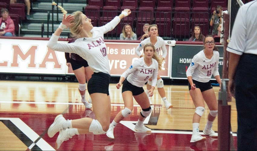 Volleyball Battles to Tough 3-1 Win Over Kalamazoo
