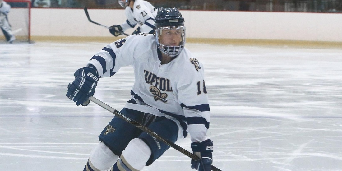 Men's Hockey Secures CCC Point in 5-5 Tie with UNE