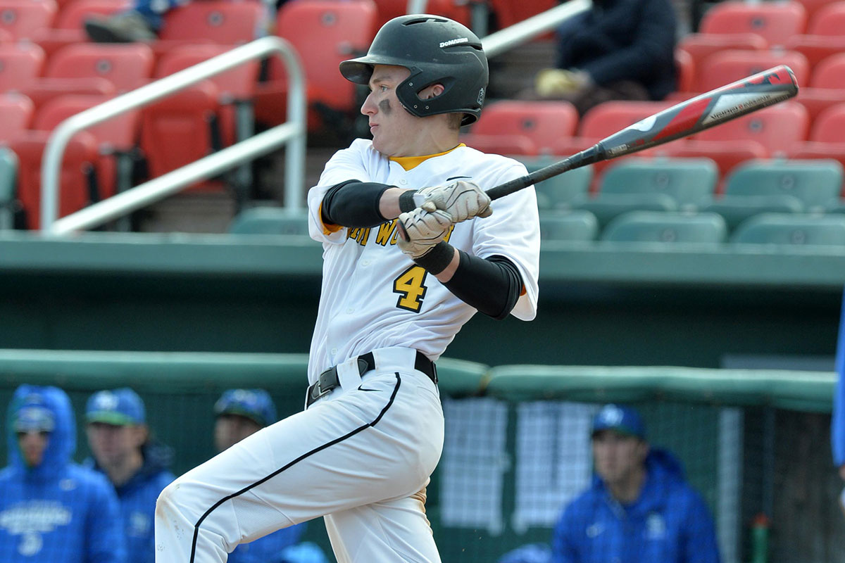 Baseball Uses Pair of Walk-Off Wins to Sweep Western New England