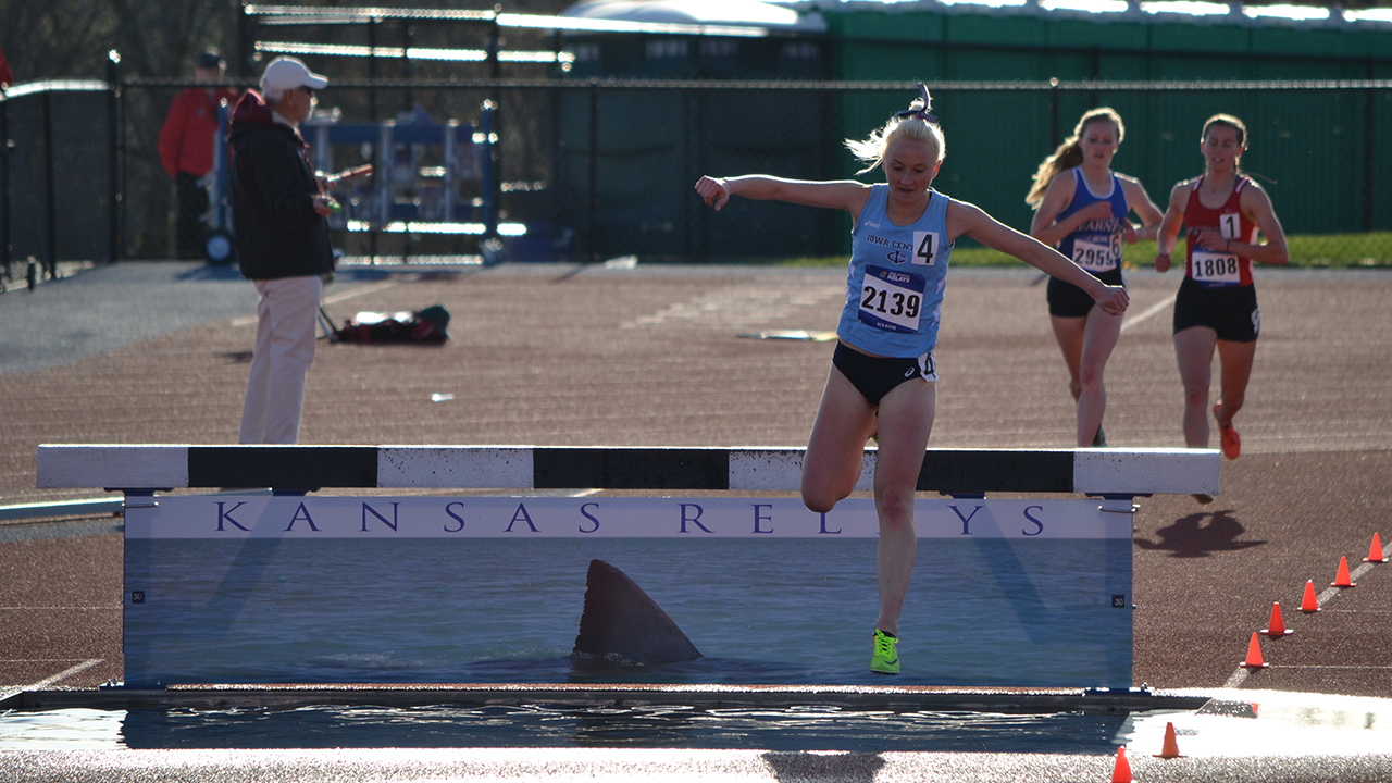 Track & Field competes at Kansas Relays