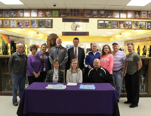 SEQUATCHIE'S SMITH SIGNS WITH LADY COUGAR BASKETBALL