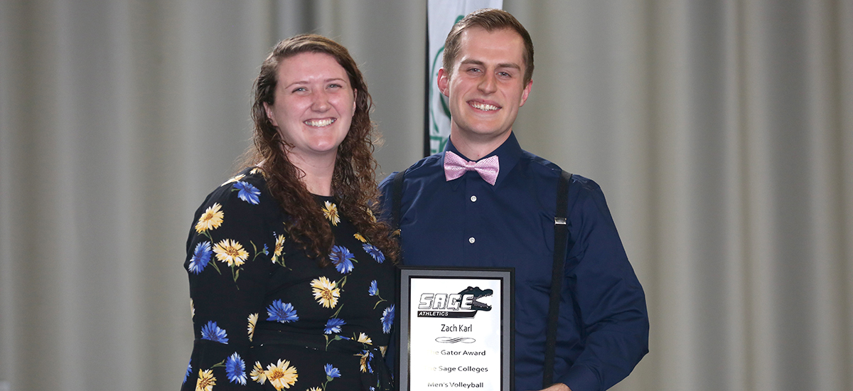 Head Men's Volleyball Coach Rachel Martin presents Zackery Karl with Gator of the Year for the men's volleyball program.
