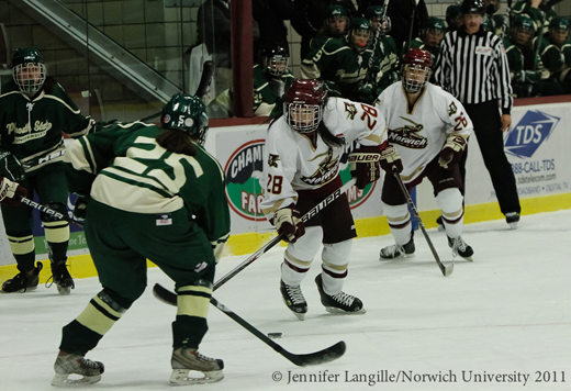 Women's Hockey: Norwich pummels Plymouth State, 14-0