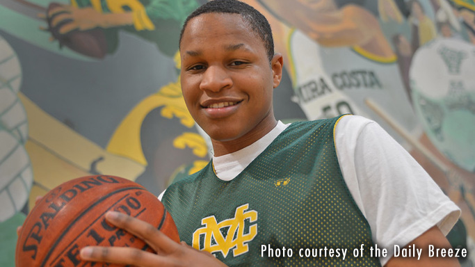 MEN'S BASKETBALL SIGNS MIRA COSTA HIGH SCHOOL FORWARD JUSTIN STRINGS