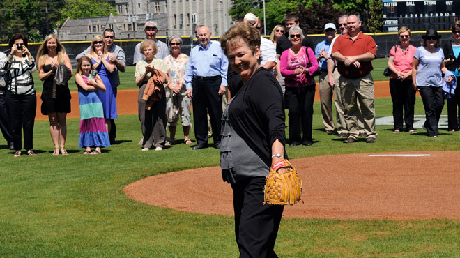 Oglethorpe hosts family of baseball great Luke Appling for Division III Week
