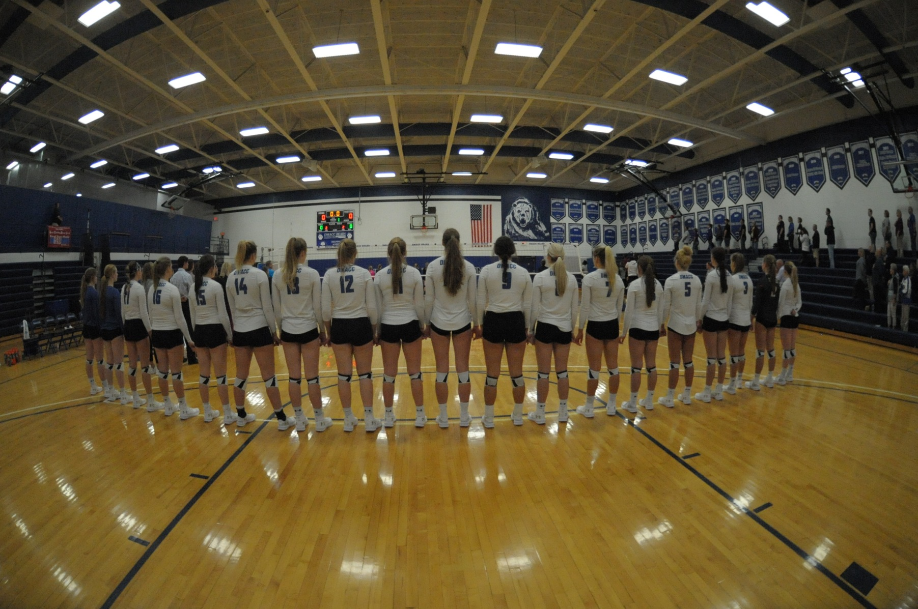 DMACC Volleyball Team Goes 2-2 in Triton Volleyball Invitational