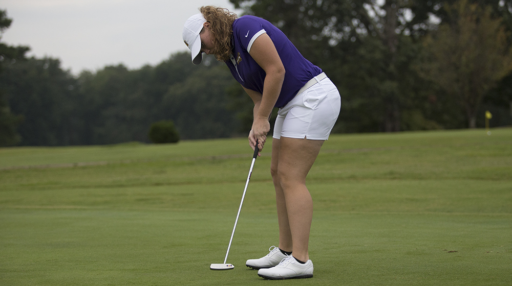 Women's golf team braves weather, ranked sixth after first day of Terrier Intercollegiate
