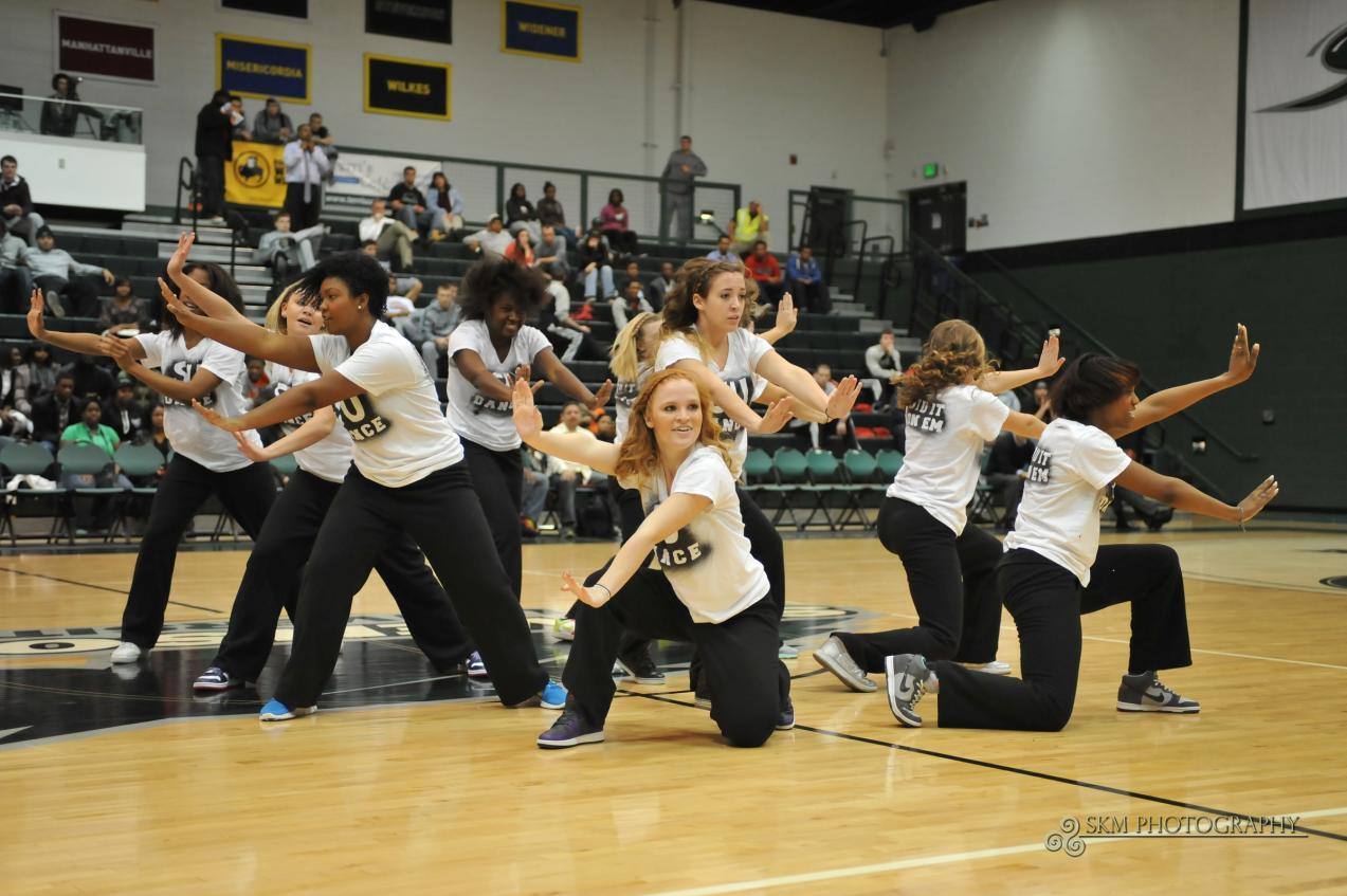 Mustangs to Hold Tryouts for 2013-14 Season, Host Dance Camp in August